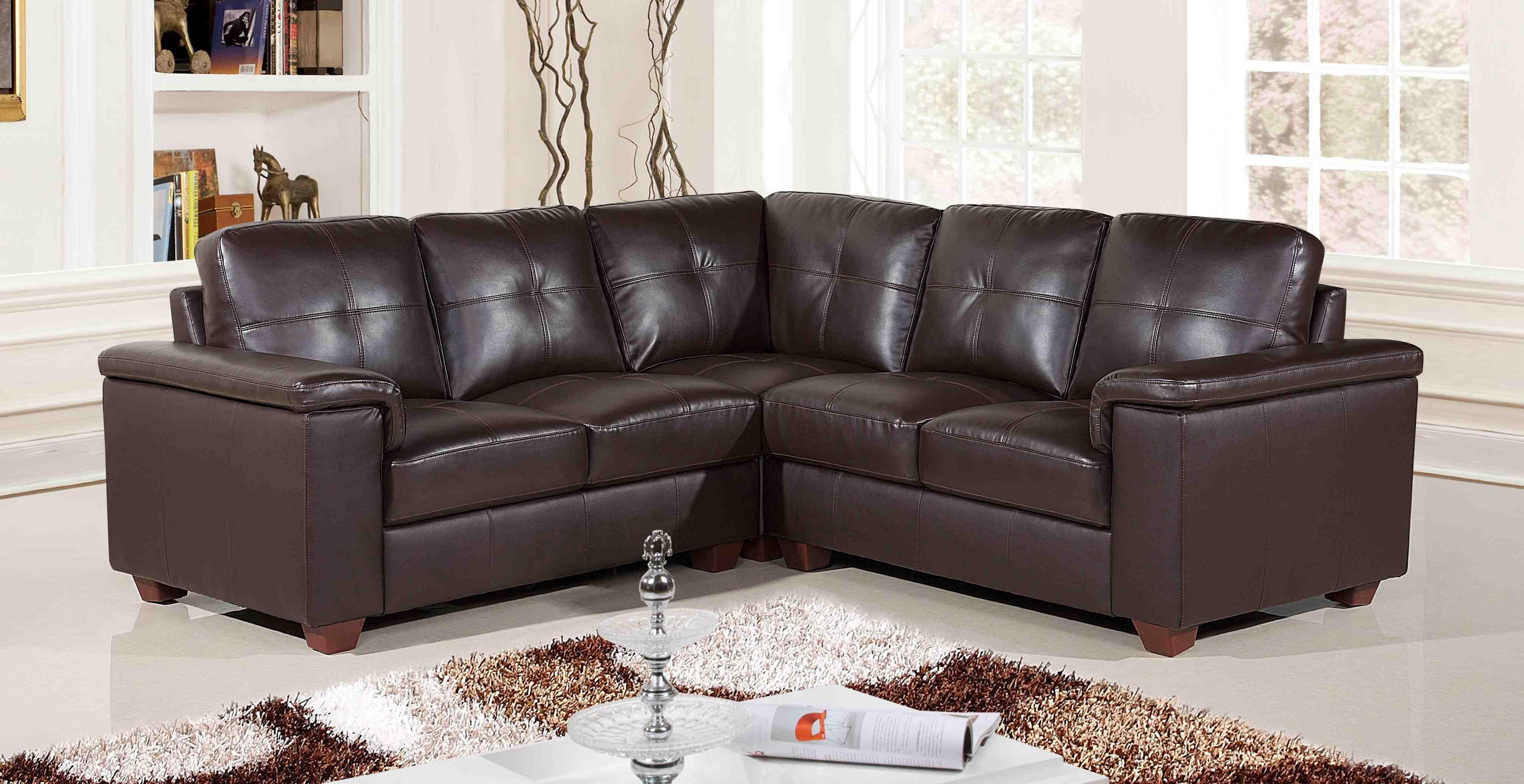 Почистване на кожени дивани
