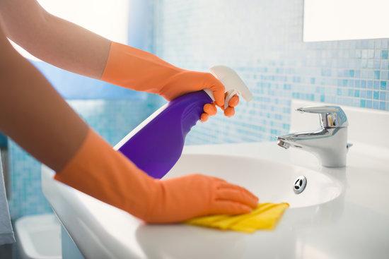 Почистване на мивки