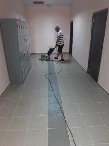 полиране на коридори в училища
